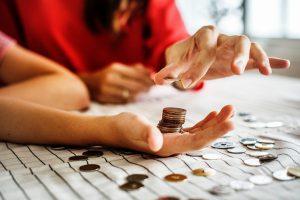 Monety trzymane na ręce